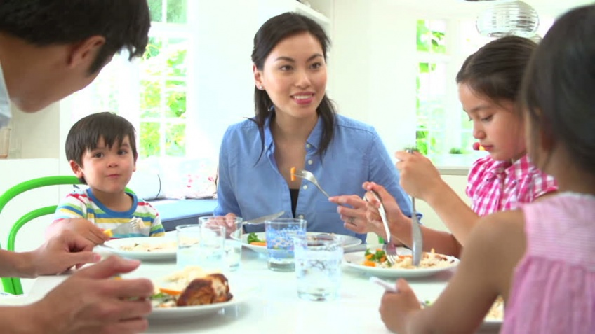 Why Family Dinners are Important