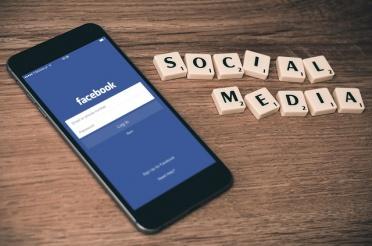 6 Tips to Keep Kids Safe on Social Media
